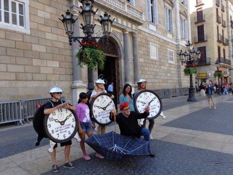 Pre XIX Fira: fotos de la tourneé dels despertadors per Barcelona