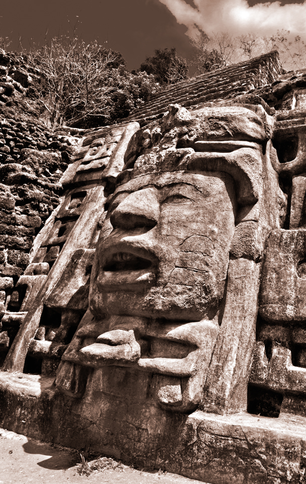 Mayan Ruins at Lamanai, Belize:  Photo Tips and Guide