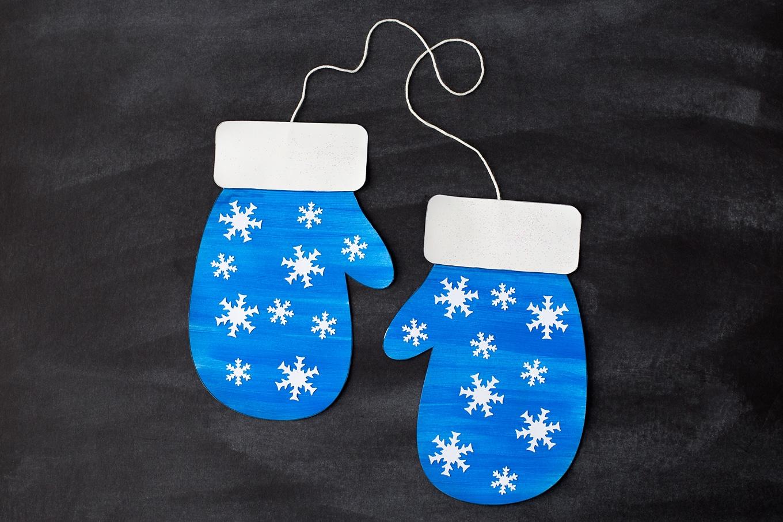 Blue Paper Mitten Craft for Preschoolers
