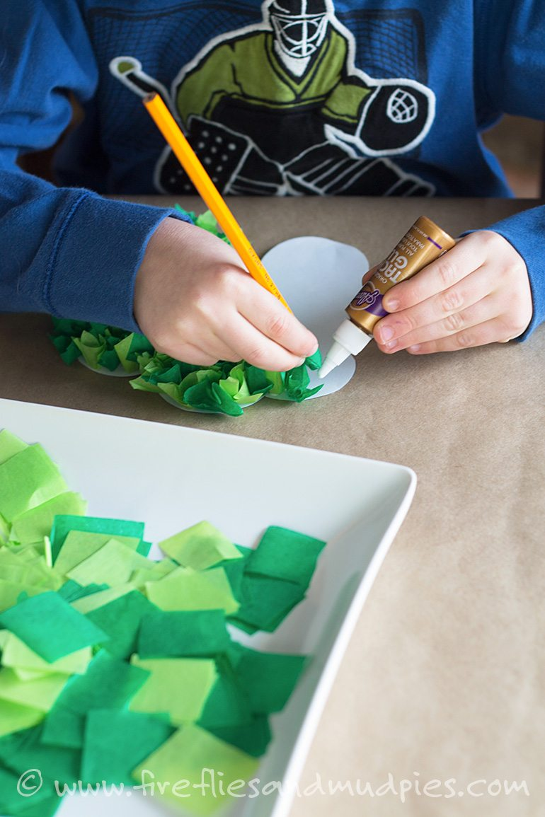 Free Printable Shamrock Craft for Kids   Fireflies and Mud Pies