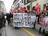 Sciopero dei lavoratori e soprattutto lavoratrici delle mense contro la riforma del Contratto Nazionale