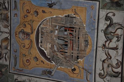 Pezzo di un affresco del '500 distaccatosi alla Galleria degli Uffizi