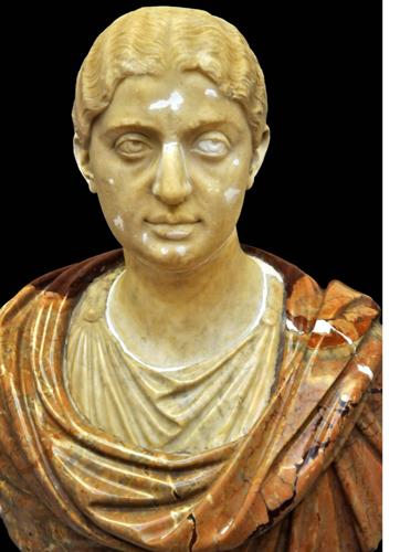 """Uffizi, restaurato il busto lapideo di """"Giulia Maesa"""", durante il restauro (Foto Polo museale di Firenze)"""