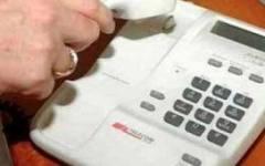 Tim: torna lo scatto alla risposta e raddoppiano i costi da chiamate fisse