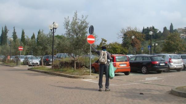 Il parcheggio di Careggi su via Alderotti in mano agli abusivi