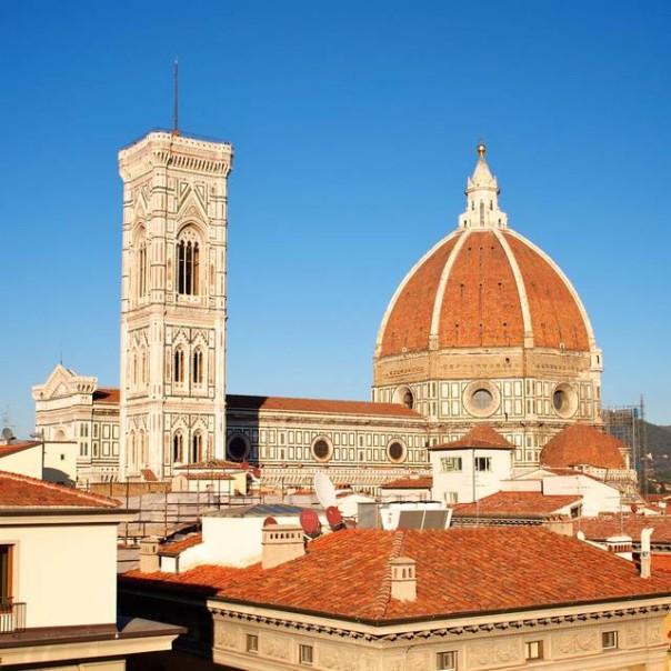 Firenze stangata sui turisti aumenter la tassa di for Tassa di soggiorno firenze