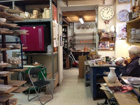 Il laboratorio di Sbigoli con i forni per la produzione