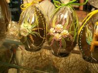 Le uova di Pasqua nei loro imballaggi