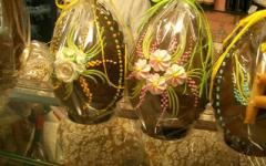 Uova di Pasqua, come smaltire nastri e carta colorata rispettando l'ambiente