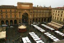Biennale Enogastronomica in piazza della Repubblica