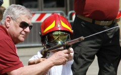 Bambini e adulti pompieri per un giorno