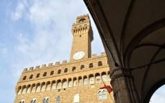 Firenze, Nardella assume un nuovo capo del cerimoniale di Palazzo Vecchio. E lo trova a Napoli