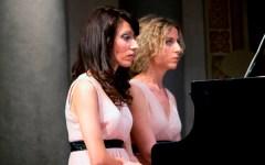 Le fiabe di Perrault in scena: il lavoro sperimentale di due giovani pianiste