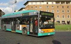 Firenze: marocchino ubriaco minaccia passeggeri autobus, arrestato dalla Polizia