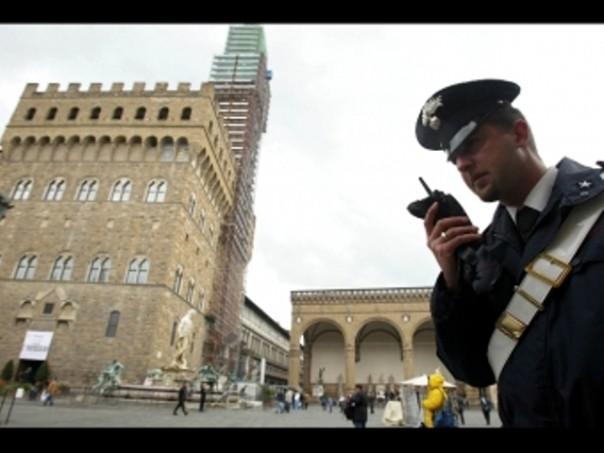 I carabinieri hanno fermato il marocchino che aveva rapinato un turista con un tagliaunghie