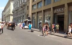 Mimo aggredito a Firenze davanti alla gente