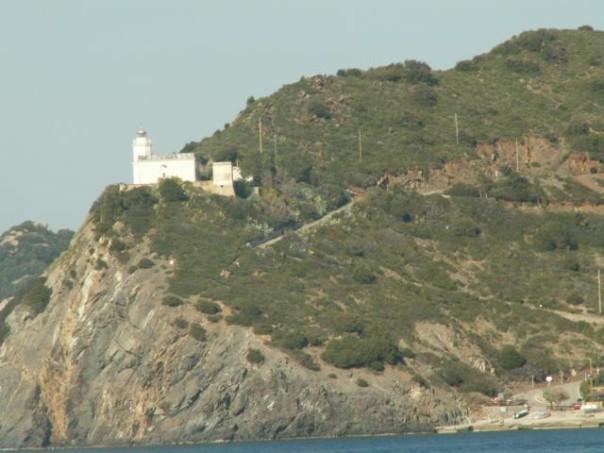 Una delle tante scogliere dell'Isola d'Elba