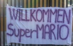 La Fiorentina pazza di Gomez: «Wilkommen SuperMario»