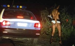 Prostituzione: sfruttavano viado brasiliani, 5 arresti
