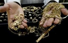 Rapina in compro oro a Viareggio