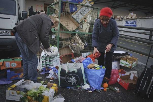 a crisi economica fa aumentare il numero degli italiani poveri