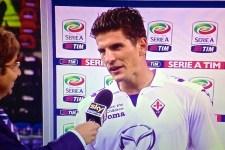 Mario Gomez dopo la partita di Genova, la penultima giocata