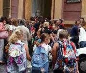 Zaini sempre più pesanti sulle spalle degli studenti