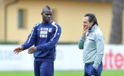 Balotelli e Prandelli a Coverciano