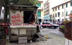 Ore 5, in fiamme il chiosco di piazza Tanucci