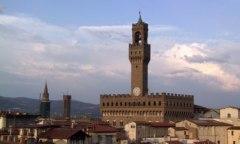 Gli stipendi dei dipendenti comunali di Firenze nel mirino della Corte dei Conti