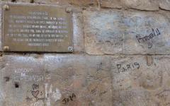 Sporca Ponte Vecchio con smalto da unghie