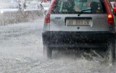 Allerta meteo in Toscana dalle 8 alle 24 di sabato 15 novembre. Previsti forti temporali con allagamenti e frane