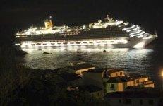 Un momento del naufragio della Costa Concordia