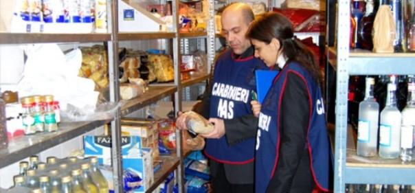 Controlli nei negozi etnici di Firenze
