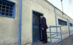 Carceri, aggredito un ispettore a Lucca