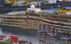 Concordia, via al montaggio del primo cassone
