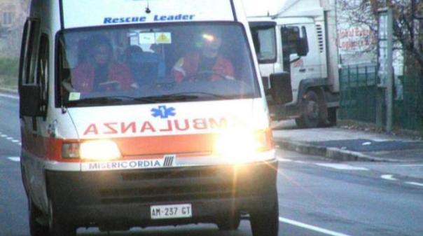 La donna è stata portata all'ospedale della Gruccia in codice giallo