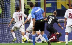 Calcio, l'Inter ringrazia il portiere del Livorno Bardi