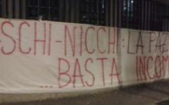 Fiorentina, striscione dei tifosi contro gli arbitri