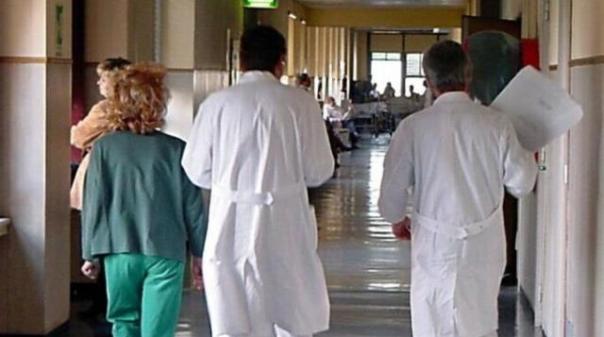 Pediatra indagato dopo morte bambina per polmonite