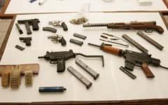 Sequestro di armi e di trofei di caccia