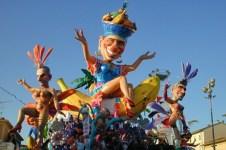 Il Carnevale di Viareggio quando il bersaglio era Berlusconi