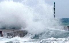 Maltempo, stato di allerta per vento forte e mareggiate sulle coste toscane