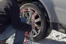 Viaggiare in sicurezza con gomme invernali o catene da neve