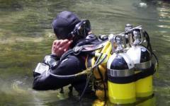 Donna scomparsa nel grossetano, i sommozzatori ispezionano i laghetti
