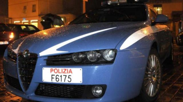 La Polizia ha arrestato due marocchini che avevano rubato ai mercatini di Natale