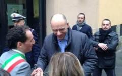 Il premier Letta a Camaiore inaugura una sala in Comune