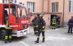 Paura per il forte vento alla scuola Carducci di Livorno