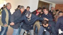 Tensioni durante uno sfratto con forza pubblica a Firenze