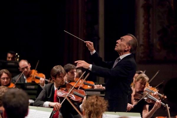 Claudio Abbado con Orchestra Mozart